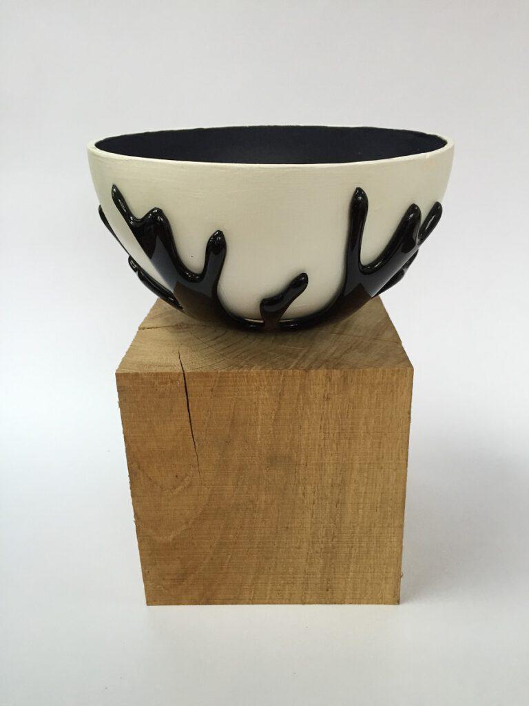 Glas/keramiek schaal zwart - Maureen Heijdemann - Glasvaardig